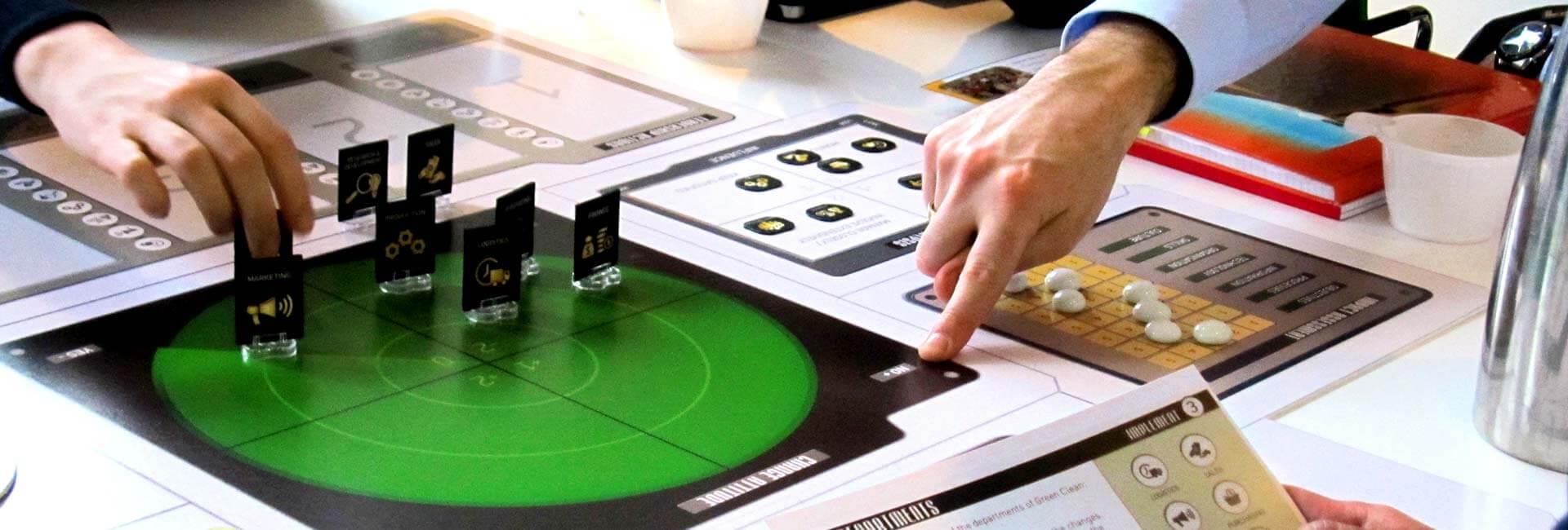 Vi arbejder med læringsspil i både analog, digital og blended form.